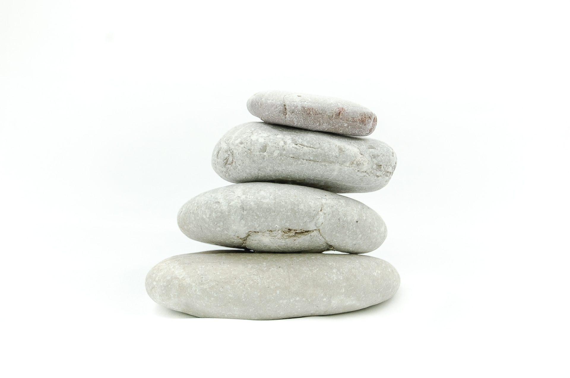 Steine aufeinander gestapelt